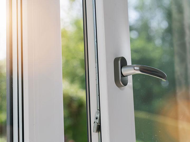 Fenêtres simple vitrage et double vitrage Gard et Vaucluse